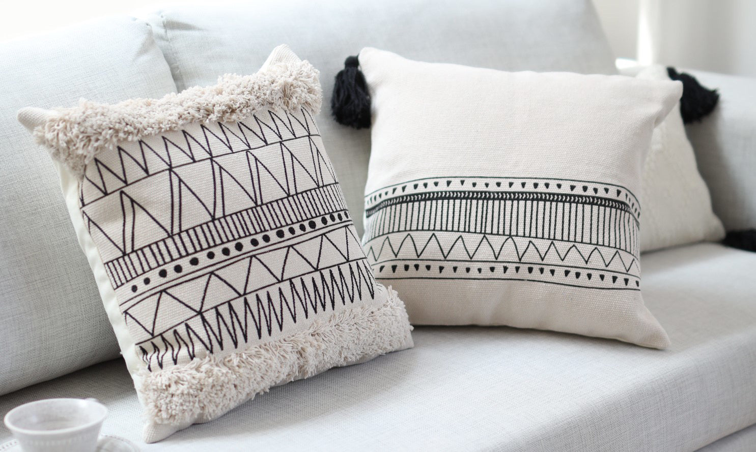 Tassled Pattern Cotton Pillow Cover