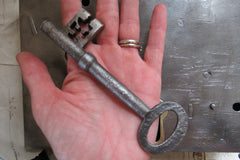 "9 1/2"" x 6 1/2"" Victorian Cast Iron & Brass Door Rim Lock, Key & Keep"
