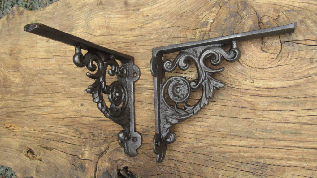 "7 1/2"" Antique Ornate High Level Cast Iron Toilet Cistern Brackets - Ornate"