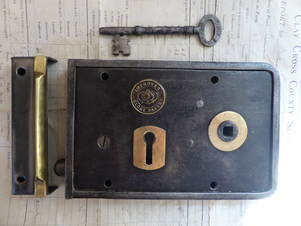 "7"" x 4.5"" Victorian Cast Iron & Brass Door Rim Lock, Key & Fancy Keep - Brass Badge"