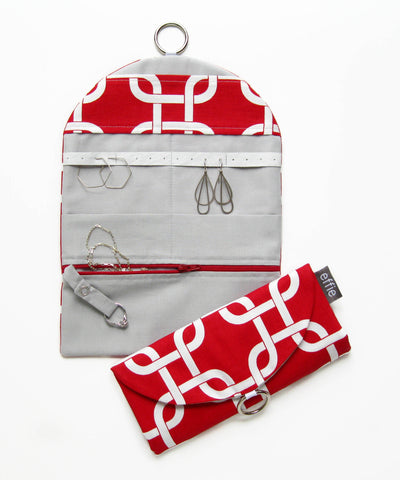Travel Jewelry Case - Modern Chain Links in Red and White