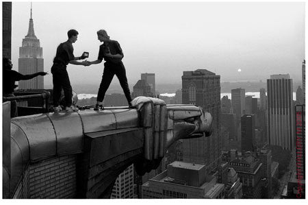 Annie Leibovitz on the Chrysler Building by John Loengard