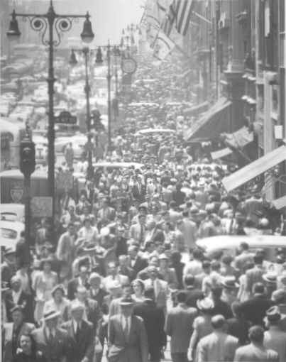Midtown: Fifth Avenue at lunch hour by Andreas Feininger