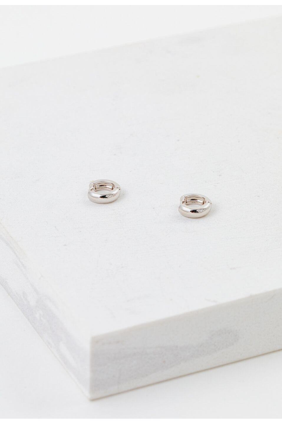 Lover's Tempo Silver Bea Hoop Earring