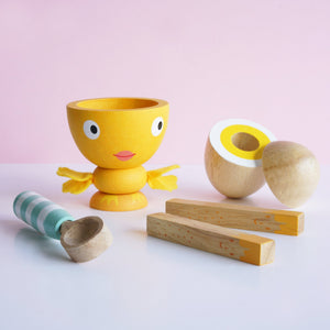 Le Toy Van Egg Cup Set Chicky Chick - award winning toy by Le Toy Van
