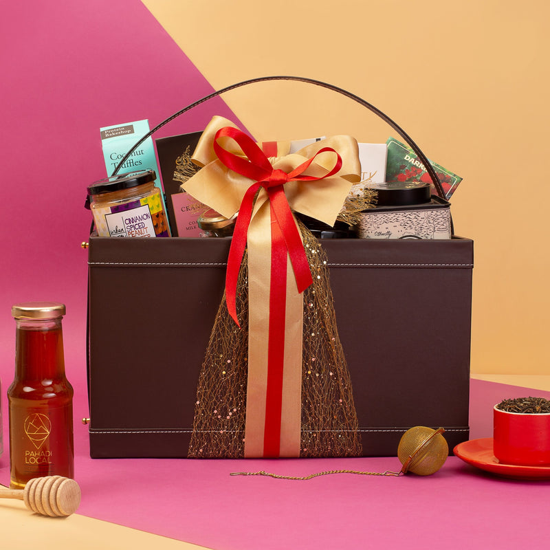 The Festive Grandeur Gift Basket