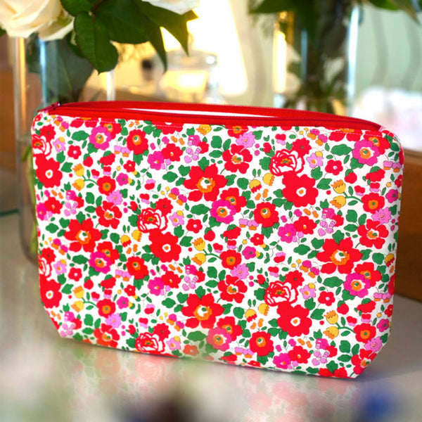 Liberty Print Fabric Betsy Wash Bag (Red)
