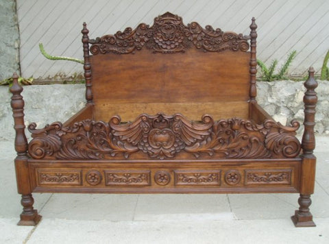 Renaissance Reproduction Period bed - Spanish Colonial Bed - Beds: Old World Beds, Tuscan Beds, Spanish Mediterranean Beds