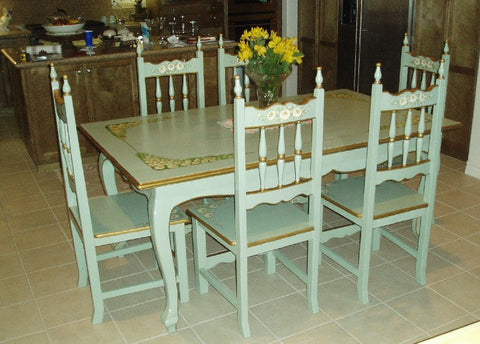 Kitchen Dining Table, Monterey Daisies