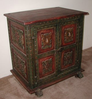 Colonial cabinet, polychrome finish
