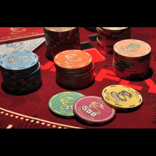 Phỉnh poker Lucky Dragon