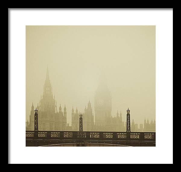 Misty London skyline - Framed Print