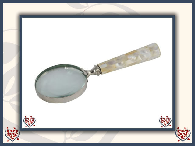MAGNIFYING GLASS ~ PEARL FINISH | Home Accessories