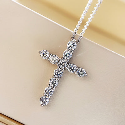 SILVY Cross Pendant Necklace