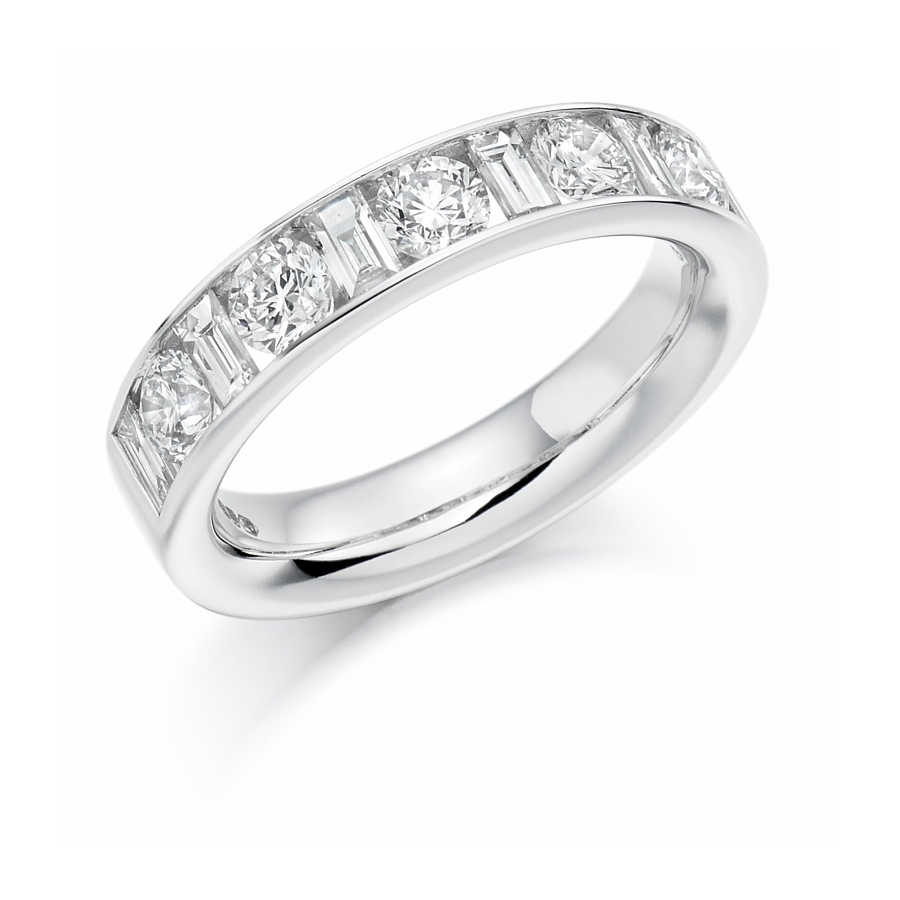 18ct White Gold 1.5ct Round Brilliant Cut and Baguette Cut Diamonds Vintage Wedding Ring