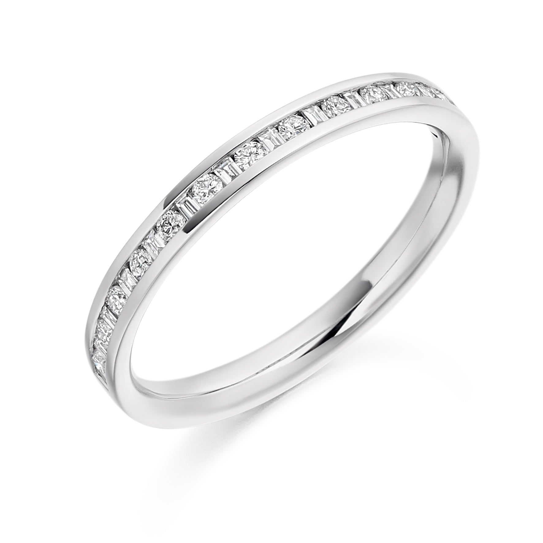 18ct White Gold 0.3ct Round Brilliant Cut and Baguette Cut Diamonds Vintage Wedding Ring