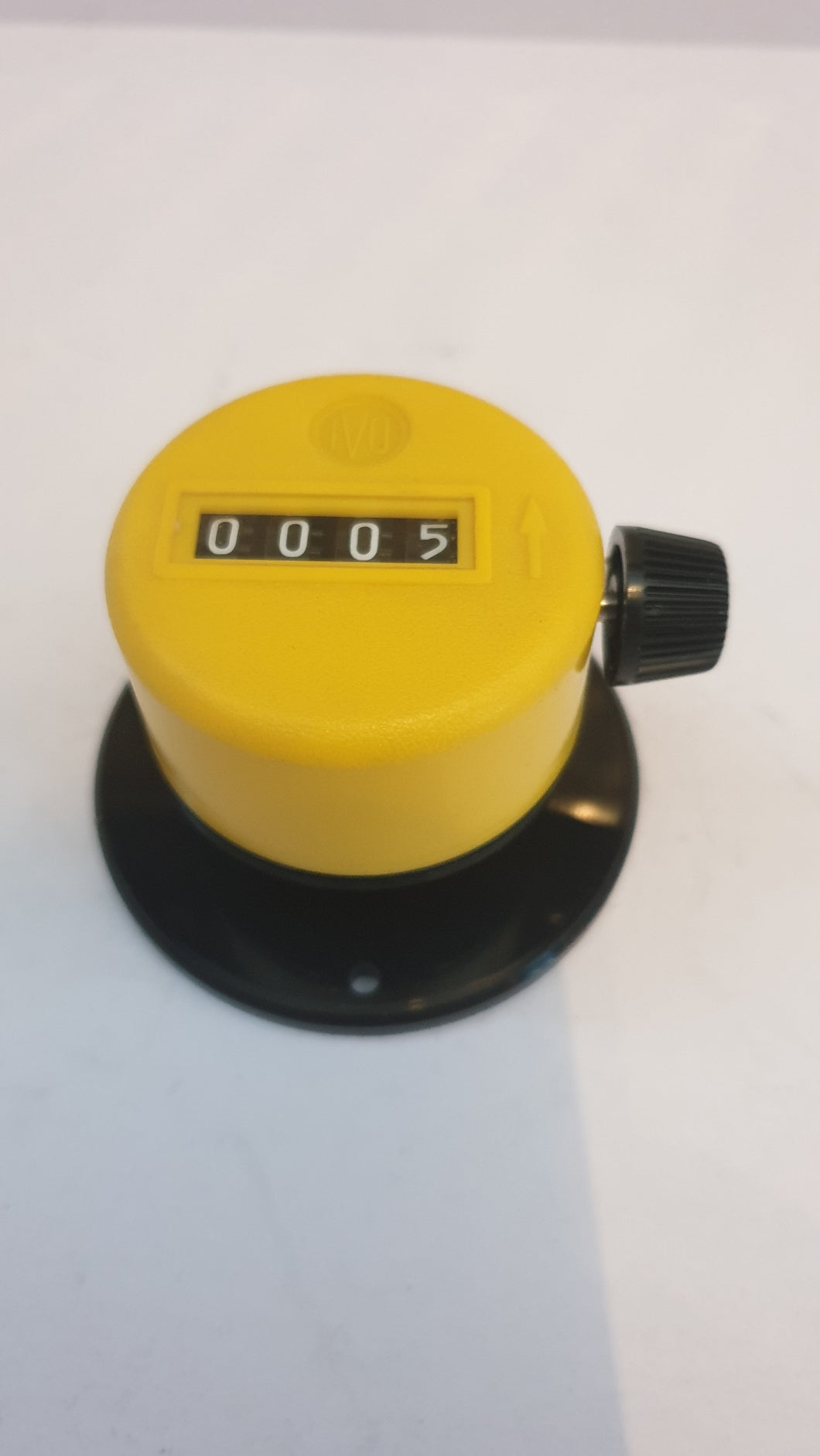 T 134.010A Hand-held piece counters, plastic housing display 4-digits, reset button