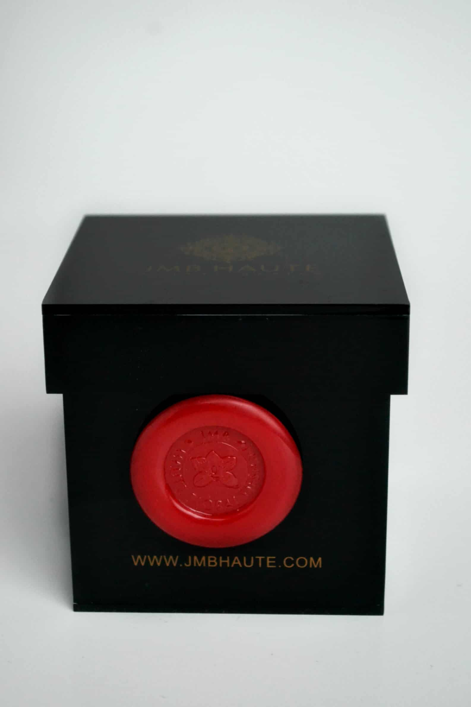 Fresh single premium red rose box