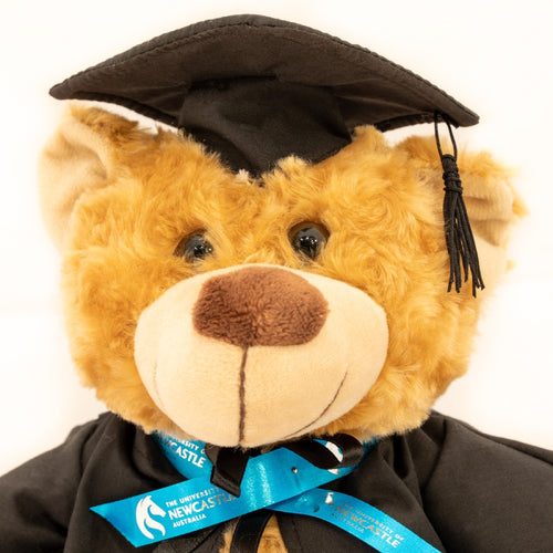 GRADUATION BEAR 32CM BROWN POINTY SNOUT