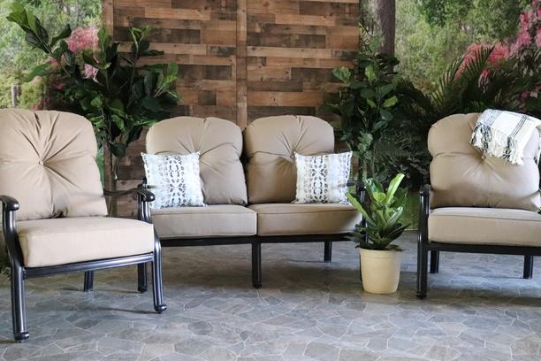 LYNNWOOD 3 PIECE SEATING SET - Love Seat and 2 Club Chairs