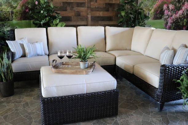 Oconee 4 Piece Sectional with Ottoman/Coffee Table
