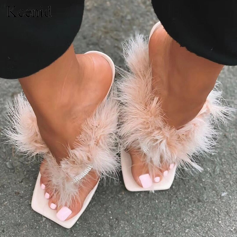 """MS. BUNDY"" HTBabe Fur Heels (4-11)"