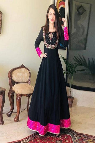 Fashionable Black Color Fancy Salwar Kurti IS716