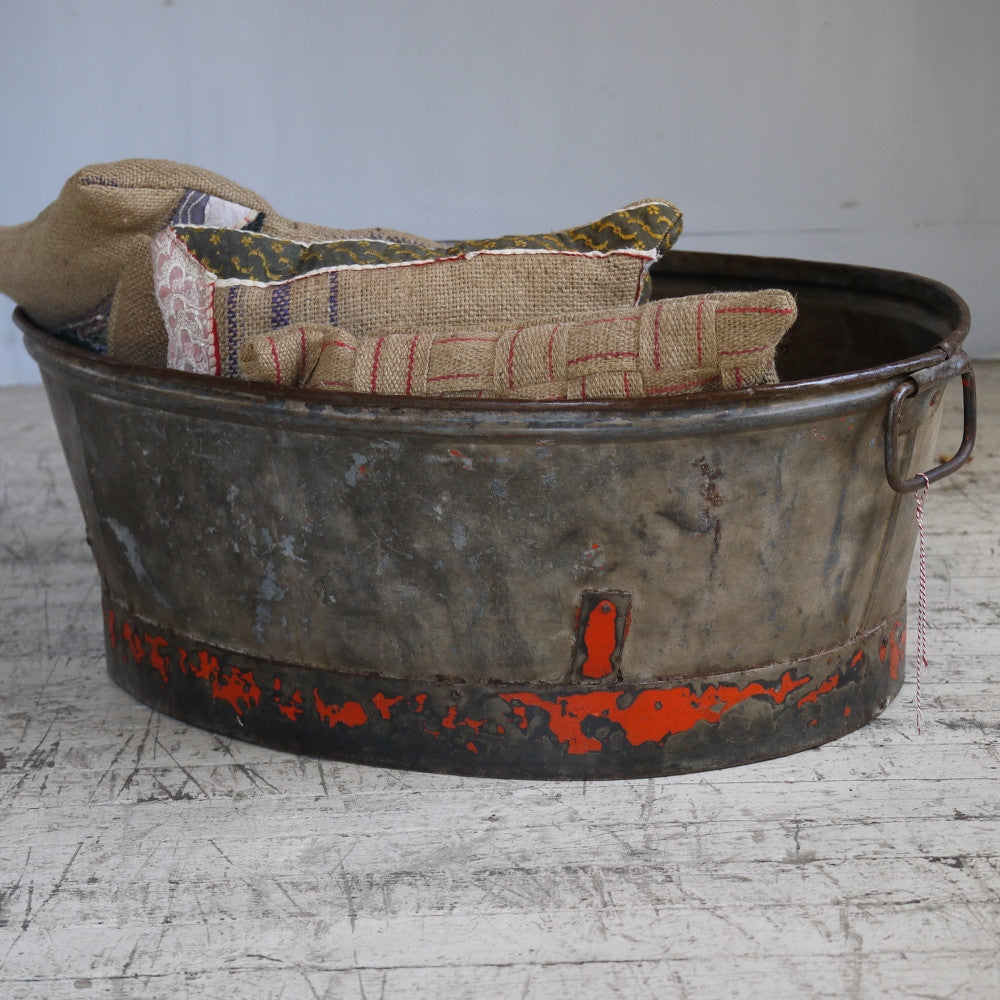 vintage metal tub elements i love