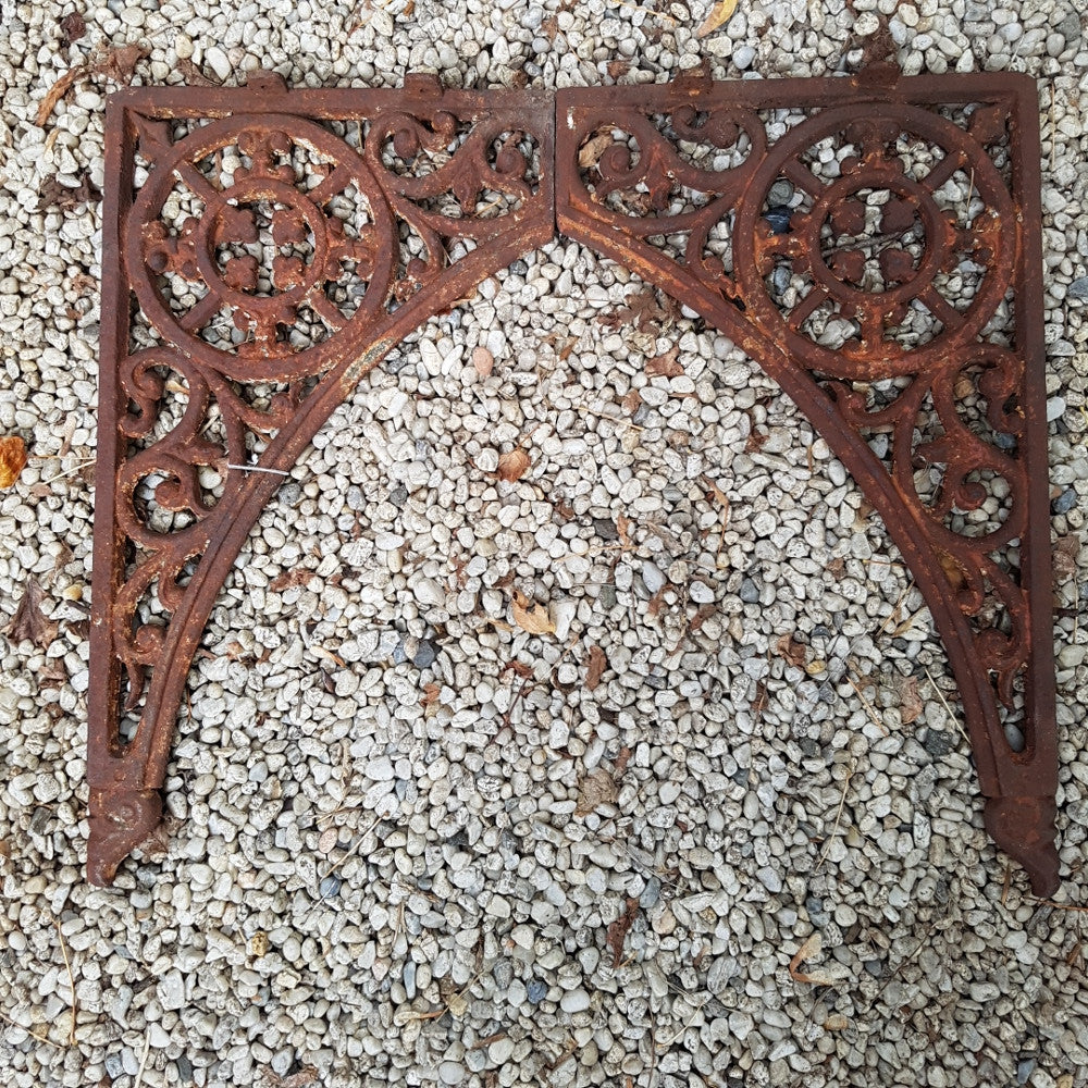 Cast Iron Corner Bracket