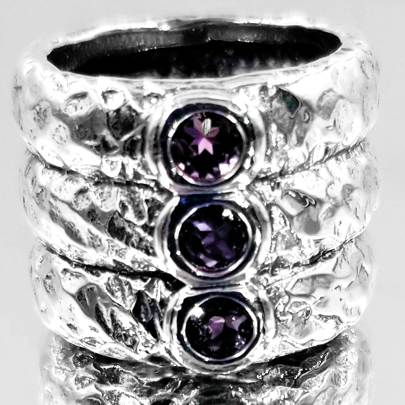 Vintage Three Tier Hand Hammered 3 Amethysts Ring 925 Silver