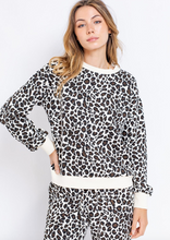 Load image into Gallery viewer, Leopard Sweatshirt