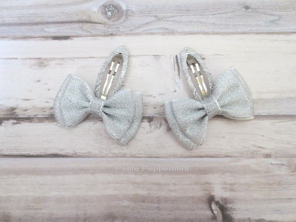 Silver Toddler Hair Clip, Toddler Hair Bow, Girl Hair Clip, Girl Hair Bows, Little Girl Hair Clips, Toddler Snap Clips, Silver Hair Bow