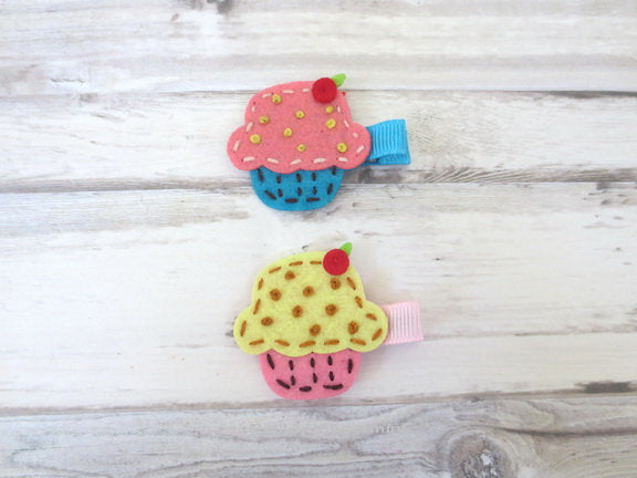 Set Of Two Cupcake Baby hair clip, Baby barrette, girl hair bow, toddler hair clip, girl hair clip, girl barrette, baby hair bow set