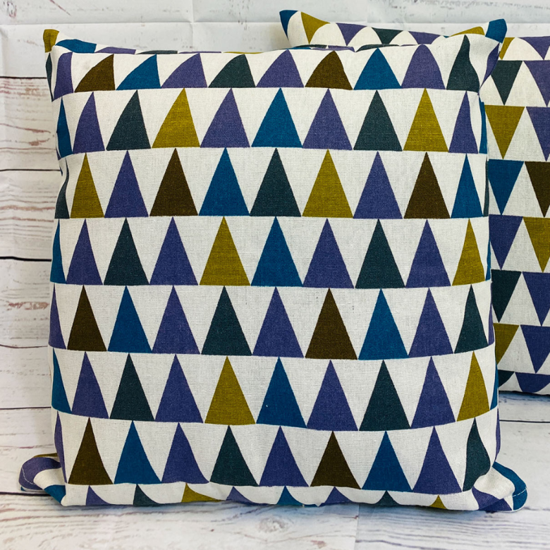 2 x Multicoloured Triangle Print Cushion Covers (43608) Linen 45 x 45 cm Square Premium Soft Furnishing, Sofas, Beds, Indoor, Outdoor