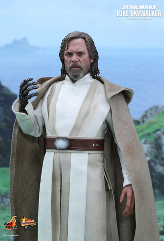 Star Wars: The Force Awakens Luke Skywalker 1/6th Scale Collectible Figure