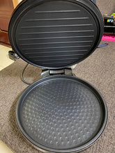 "Load image into Gallery viewer, folteitei 8"" Electric Pancake Maker - Non-stick Electric Griddle"