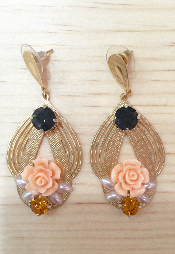 #086 Earrings Gold Flowers Beige Crystal