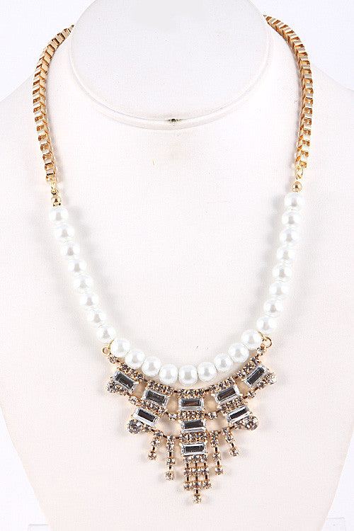 Rhinestone Statement Pearl Necklace