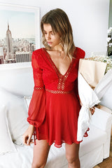 Fashion Red Deep V-Neck Textured Ruffle Dress with Long Sleeve
