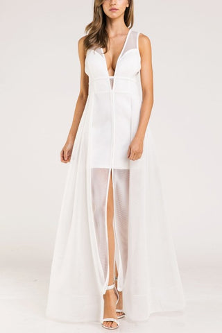 Elegant White V-Neck Mesh A-Line Sleeveless Maxi Dress
