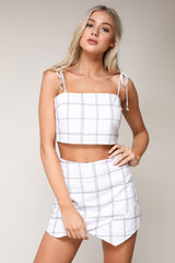 Fashion Stitch Detailed White Tie-Up Crop Top
