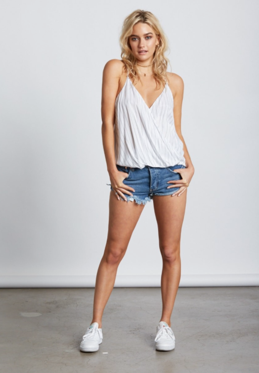 Casual Contrast White Top