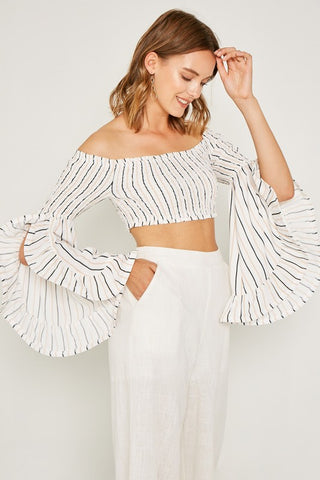 237f8a7466c82 Elegant Off White Contrast Off Shoulder Crop Top with Bell Sleeve