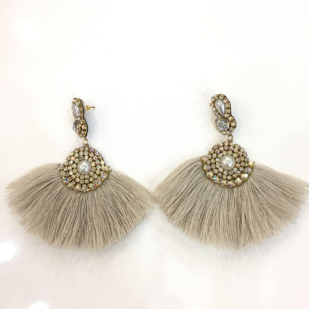 Fashion Beige Tassel Designer Long Fringe Pearl Earrings