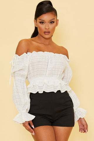 Fashion Off Shoulder White Textured Ruffle Top with Long Sleeve