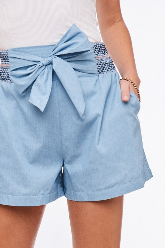 Elegant Light Blue Tie-Up Detailed High Waisted Shorts
