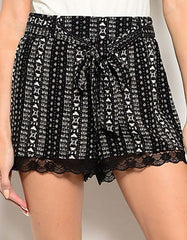 Lace Trim Print Shorts