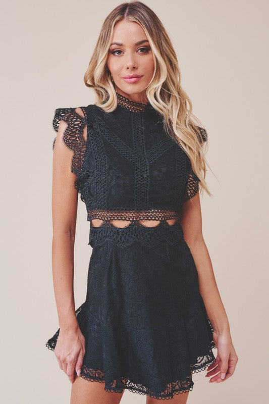Elegant Black Lace Crop Ruffle Dress with Band Sleeve Detailed