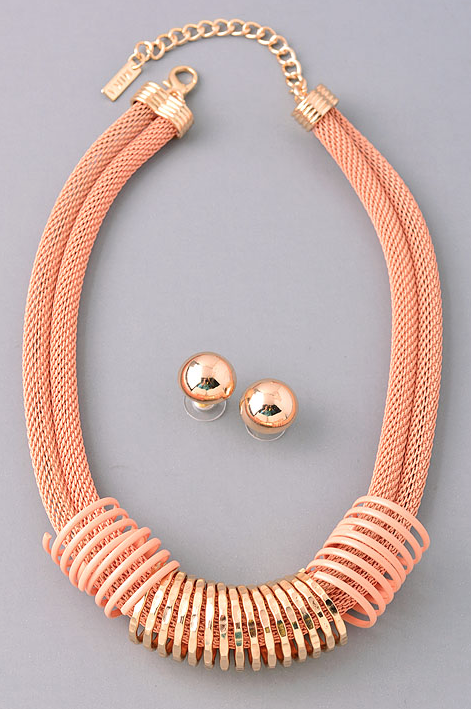 Spiral Detailed Gold Peach Necklace with Earrings
