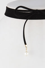 Fashion Choker Necklace with Pearl Details